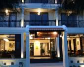 羅克珊娜河別墅酒店