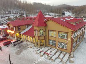 亞布力雪場北國春温泉度假山莊