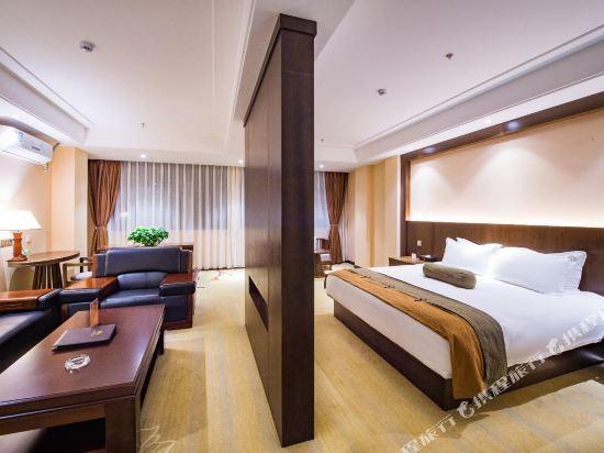昆明長水機場萬金安酒店(Wan Jin An Hotel)套房