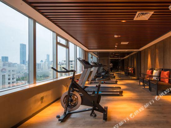 美豪麗致酒店(深圳福田會展中心店)(Mehood Lestie Hotel (Shenzhen Futian Convention and Exhibition Center))健身房
