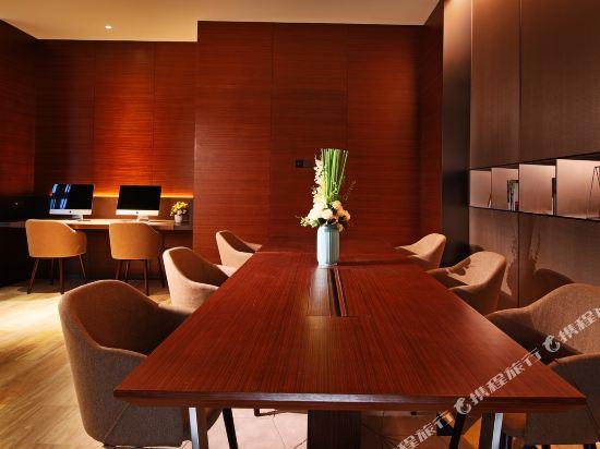 上海虹橋國家會展中心希爾頓歡朋酒店(Hampton by Hilton Shanghai Hongqiao Necc)會議室