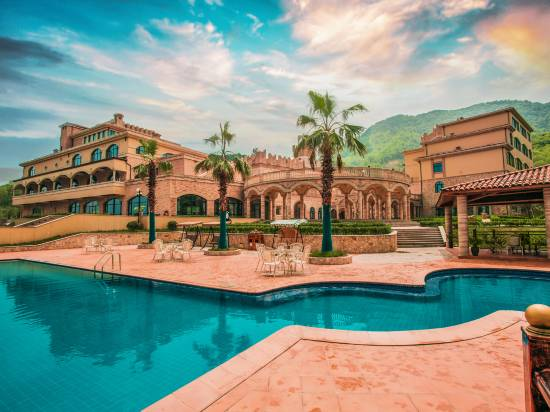 Conti Toscana Castle Resort Spa Reviews For 5 Star Hotels In