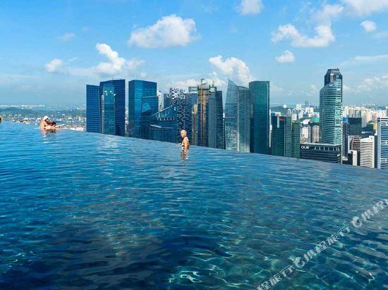 新加坡濱海灣金沙酒店(Marina Bay Sands)室外游泳池