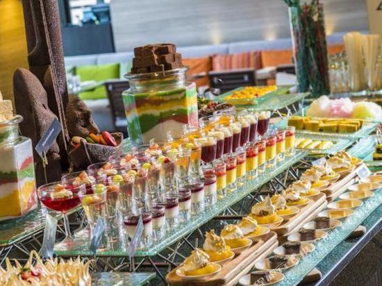 曼谷素坤逸假日酒店(Holiday Inn Bangkok Sukhumvit)餐廳