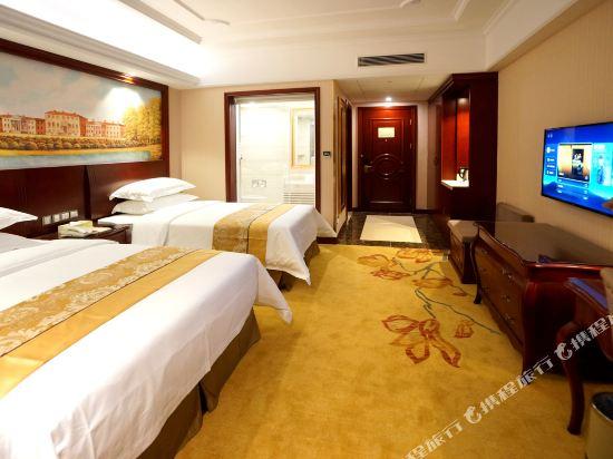 維也納國際酒店(上海浦東機場自貿區店)(Vienna International Hotel (Shanghai Pudong Airport Free Trade Zone))豪華家庭房