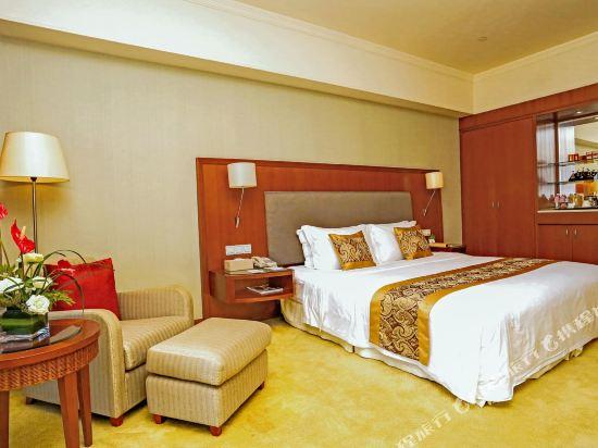中山雅居樂長江酒店(Agile Changjiang Hotel)高爾夫景觀豪華大床房