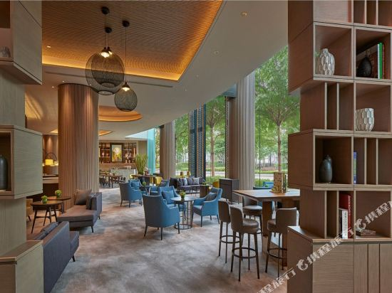千禧新世界香港酒店(New World Millennium Hong Kong Hotel)大堂吧