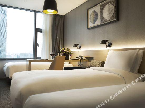 首爾東大門貝斯特韋斯特阿里郎希爾酒店(Best Western Arirang Hill Dongdaemun)豪華三人房