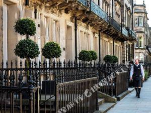 切斯特公寓(The Chester Residence)