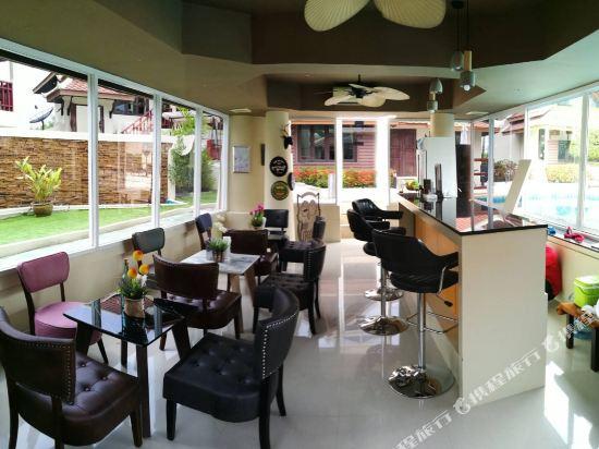 阿查維拉度假別墅(Achawalai Residence Village)酒吧