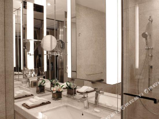 香港沙田萬怡酒店(Courtyard by Marriott Hong Kong Sha Tin)豪華大床客房