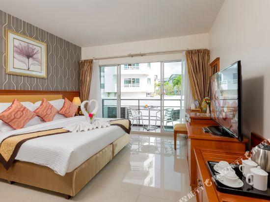 芭堤雅金色城市水療酒店(The Golden Ville Boutique Hotel & Spa Pattaya)豪華房帶陽台
