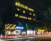 上海虹橋龍柏亞朵輕居酒店