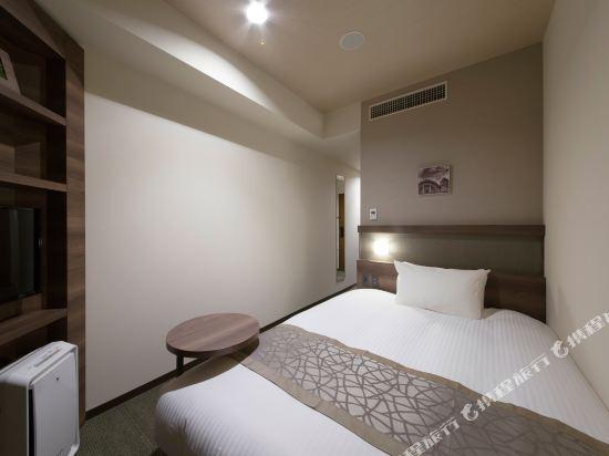 京阪澱屋橋酒店(Hotel Keihan Yodoyabashi)小型雙人床房