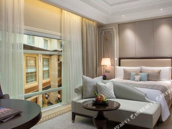 新加坡富麗敦酒店(The Fullerton Hotel Singapore)尊貴中庭房