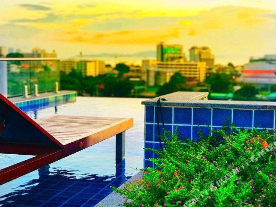 芭堤雅T酒店(T Pattaya Hotel)室外游泳池