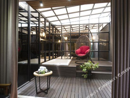 西面館天堂2號酒店(2 Heaven Hotel Seomyeon)露台套房(帶浴缸)