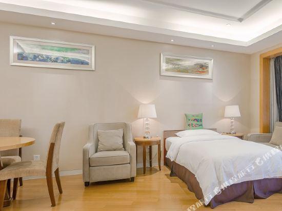 千島湖綠城度假酒店(1000 Island Lake Greentown Resort Hotel)5號樓湖景親子套