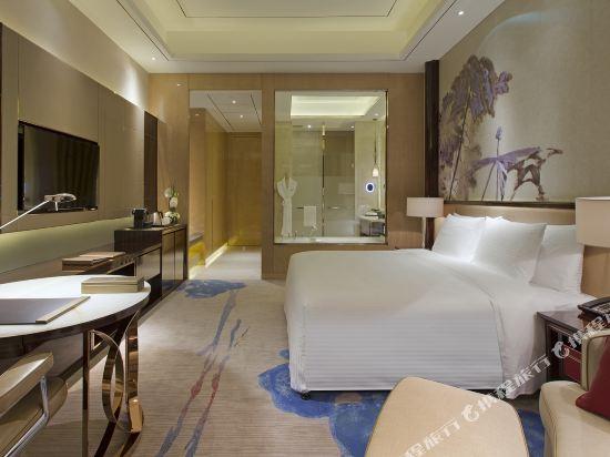 東莞萬達文華酒店高級豪華大床房