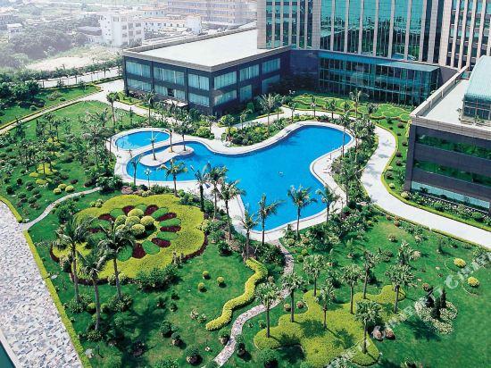 東莞石龍名冠金凱悅酒店(Gladden Hotel (Shilong Town))室外游泳池