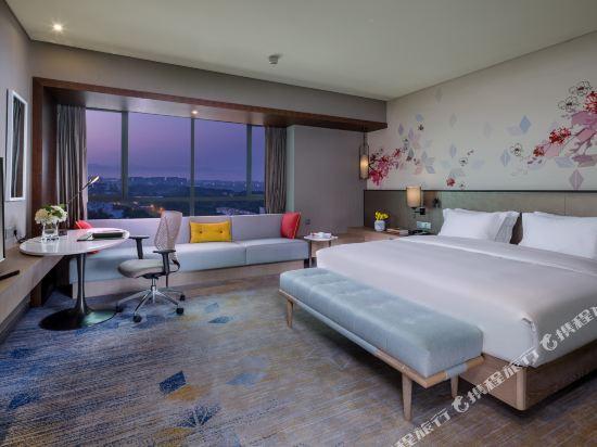 中山利和希爾頓花園酒店(Hilton Garden Inn (Zhongshan Lihe))豪華大床房