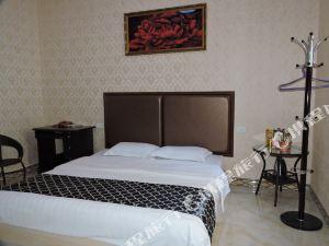 河池泰錦運商務酒店
