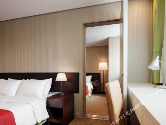首爾東大門華美達安可酒店(Ramada Encore by Wyndham Seoul Dongdaemun)四人套房
