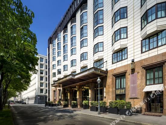 維也納廣場希爾頓酒店