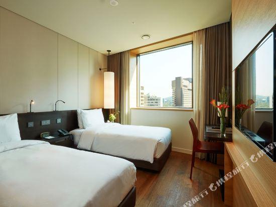 明洞皇冠公園酒店(Crown Park Hotel Seoul)標準四人房