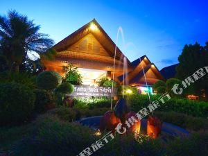 里姆臣度假村酒店(Rimchan Resort Hotel)