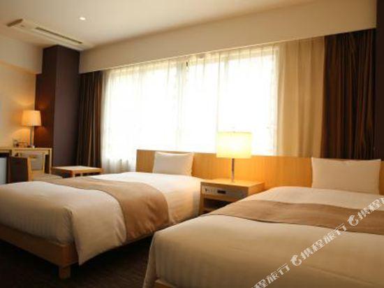 福岡博多站前陽光酒店(Hotel Sunline Fukuoka Hakata Ekimae)豪華雙床房