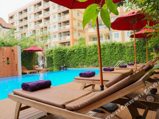 芭堤雅黃金海酒店(Golden Sea Pattaya)室外游泳池