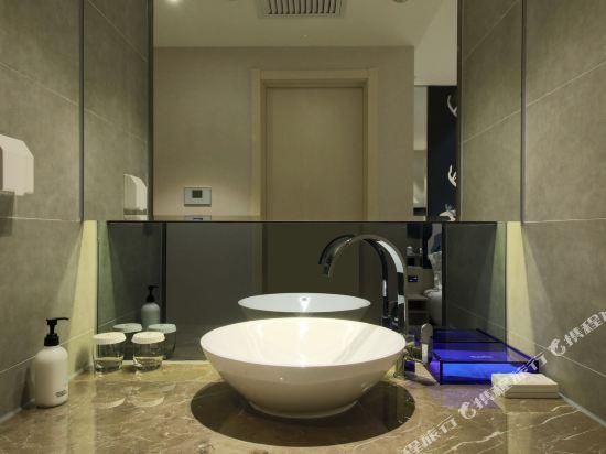 桔子酒店·精選(昆明翠湖店)(Orange Hotel Select (Kunming Green Lake))85度灰