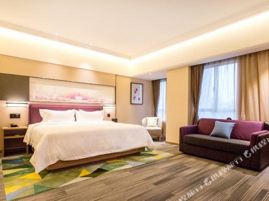 深圳阪田希爾頓歡朋酒店(Hampton by Hilton Shenzhen Bantian)豪華大床房