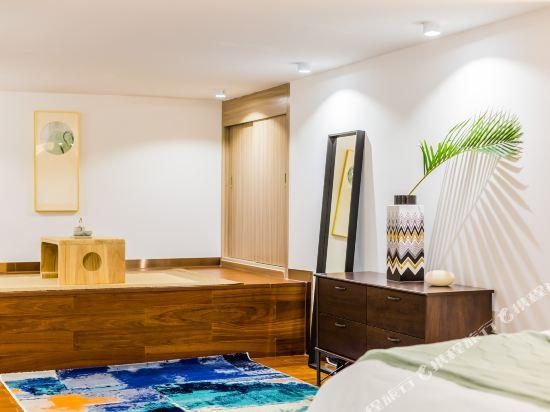SA漢谷藝術主題公寓(廣州珠江新城店)(SAHangu Art Themed Apartment)安舍·豪華江景大床房