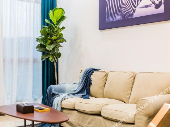 SA漢谷藝術主題公寓(廣州珠江新城店)(SAHangu Art Themed Apartment)安舍·精品城景複式大床房