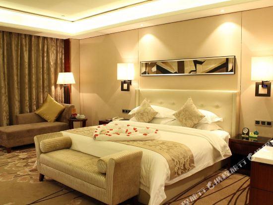 佛山富林朗悅酒店(Longyatt Hotel)行政大床房