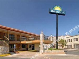 聖安東尼奧市中心阿拉莫河畔步道戴斯酒店(Days Inn Alamo Riverwalk Downtown San Antonio)