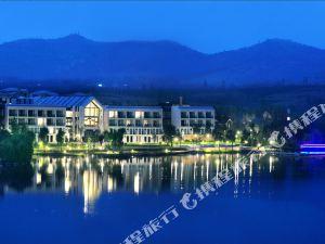 泗水萬紫千紅青界湖御温泉酒店