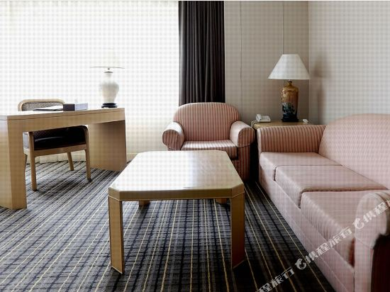 台北三德大飯店(Santos Hotel)豪華四人房