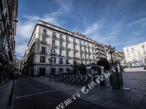 馬德里巴斯克斯邁德拉酒店(Hostal Vazquez de Mella Madrid)