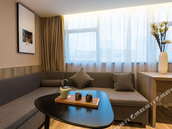 中山二路亞朵酒店(Atour Hotel (Zhongshan 2nd Road))幾木雙床房