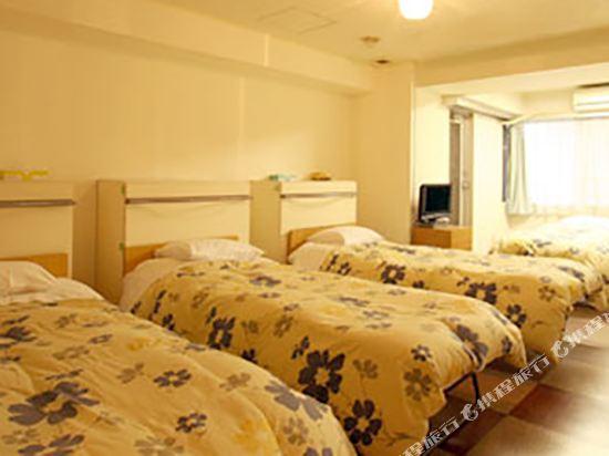 池袋皇家酒店(Ikebukuro Royal Hotel)四人房