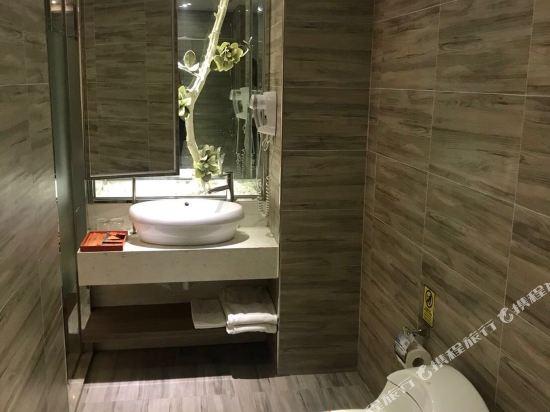 高雄蒂亞飯店-愛河館(Hotel-D)造景雙人房(無窗)