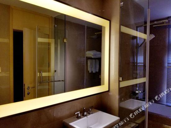 Q加·泰萊半島國際公寓(珠海橫琴海洋王國店)(Tailai Peninsula International Apartment (Zhuhai Hengqin Changlong Ocean Kingdom))尊貴總裁奢華五房三廳套房
