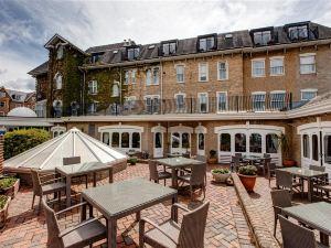 康諾特貝斯特韋斯特優質酒店(BEST WESTERN PLUS The Connaught Hotel)