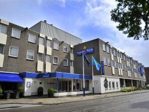 基韋斯特龍柏酒店 - 僅限成年人