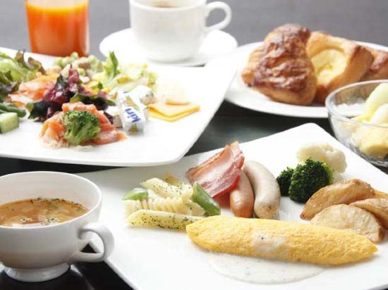 東京汐留皇家花園酒店(The Royal Park Hotel Tokyo Shiodome)標準特大床房(高級樓層)