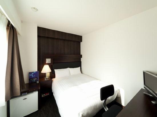 福岡博多站前陽光酒店(Hotel Sunline Fukuoka Hakata Ekimae)小型大床房