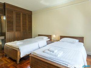 曼谷素坤逸短住三卧室公寓(BangkokShortStay, 2-3Br Sukhumvit)